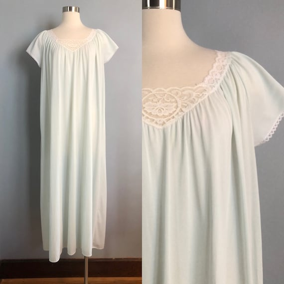 Vintage Miss Elaine Nightgown