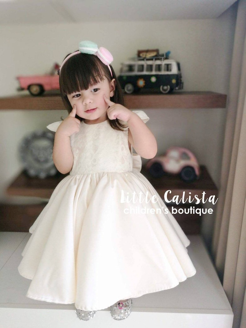 b58f3e33f3d Cute Ivory Lace Classic Flower Girl Dress Girls Pageant Gown