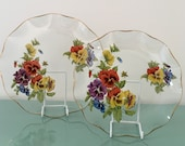 Collectible Chance Glass Fiestaware Viola 1976 round plate violas pansies pansy red purple yellow blue floral Spring dish fluted edge retro
