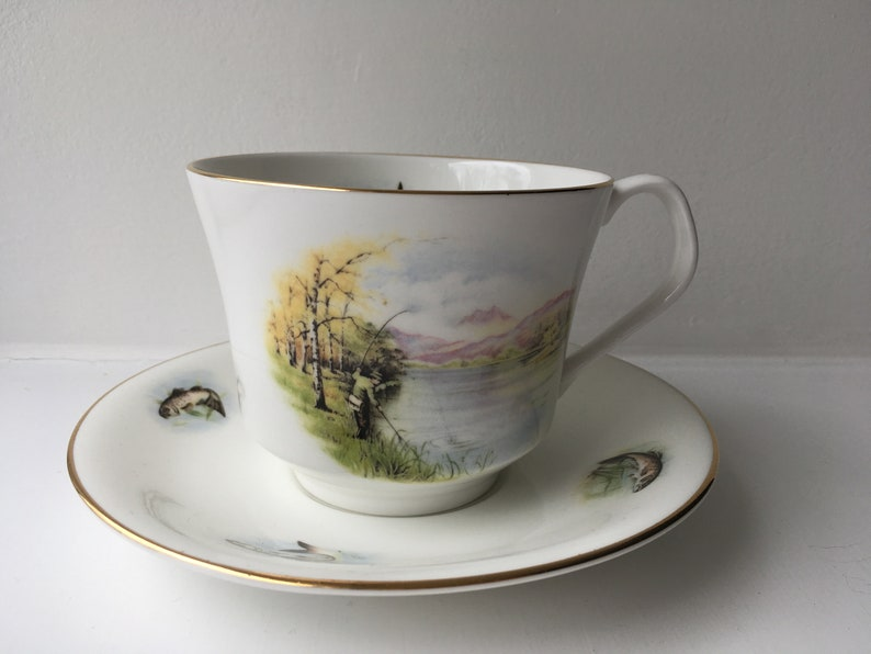 Cups & Saucers Ceramics & Porcelain Elizabethan English Bone China Teacup And Saucer Gilt Banner W/green