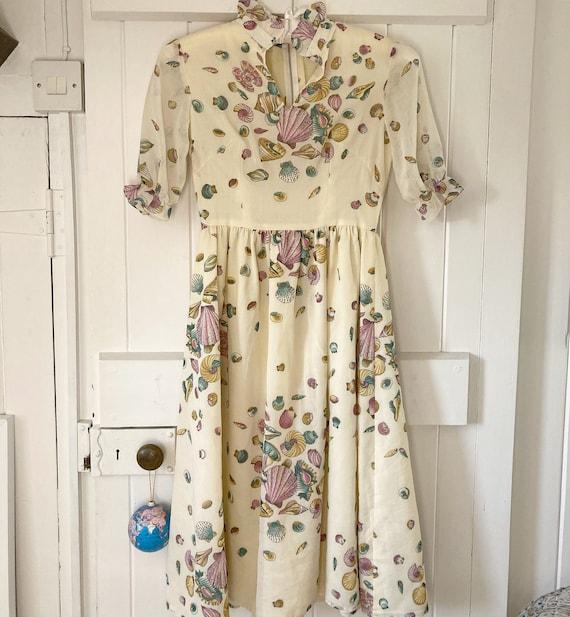 1970s Shell Print Midi Dress