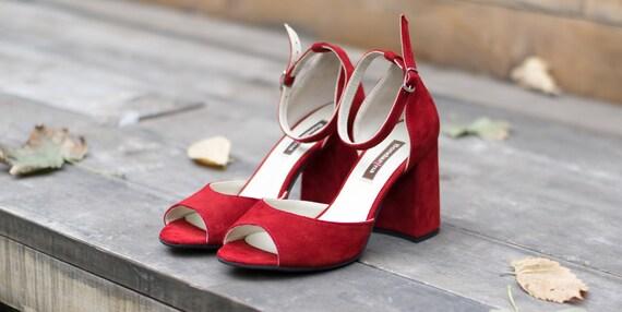 Custom wedding shoes. Red block heel