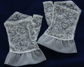 Vintage  Baby Blue Fingerless Lace Gloves