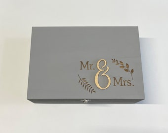 Mr & Mrs - Memory Box - Engagement - Marriage - Laser Engraved Wooden Box - Gift / Present