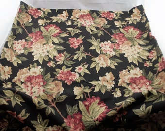 Black Back Ground Rounded Rectangular Fashion Industries Tablecloth w/ Pink & White Flowers