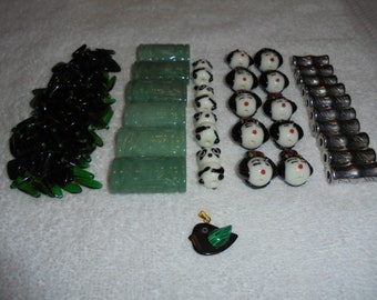 A variety of oriental beads