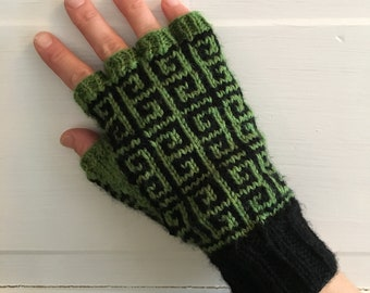 Grecian Keys Fingerless Gloves knitting pattern PDF download