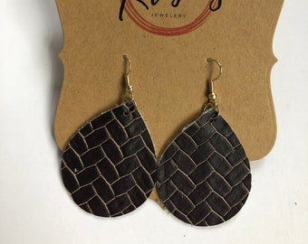 Small brown basket weave leather teardrop earrings