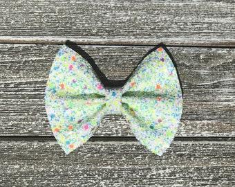 Mint Chip hair bow / baby bow headbands / baby bows / baby headbands / toddler / clips / bows / nylon headbands / glitter bows /