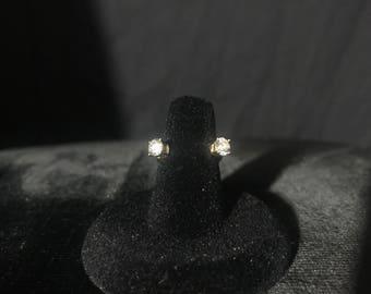 Janice- Horseshoe diamond ring