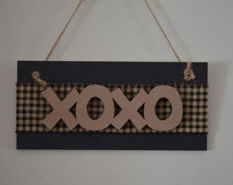 Hugs and Kisses Sign