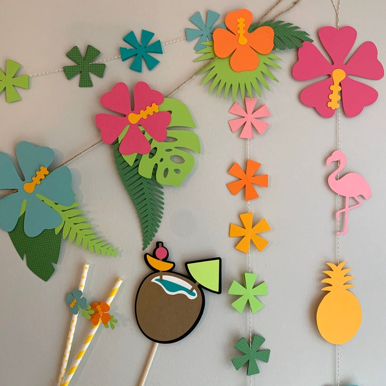 LUAU Decoration Kit image 0