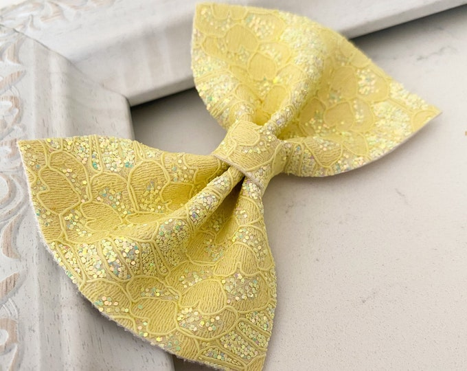 Butter Lace // Cedar Hairbow