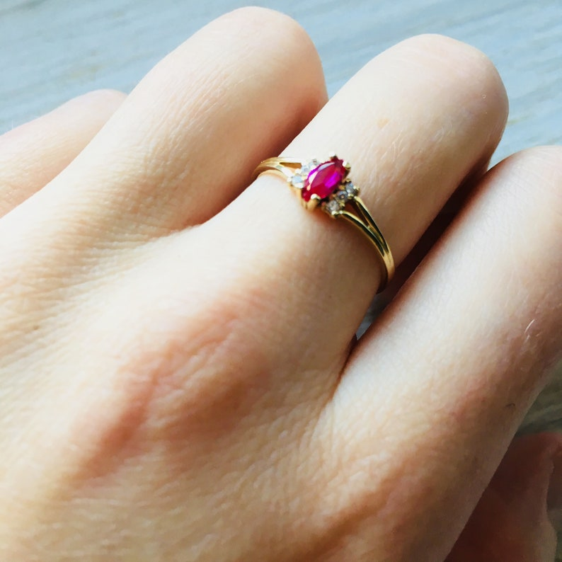 Ring for Women Red Gold Ring Red Stone ring Garnet Gold Ring Oval Stone Ring Gift for Her Gemstone Solid Gold Ring Solid Gold 14k