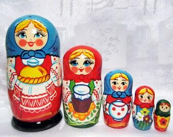 Matryoshka Dolls, Russian nesting dolls–5 pieces, Wooden Nesting Dolls, Babushka, Russian folk art, from the master. Hand-made.