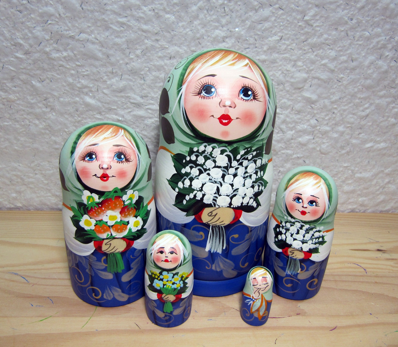 Matryoshka Russian Nesting Doll Babushka Beautiful Lily Lilies Flowers 7 Pieces