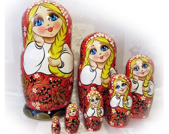 Nesting dolls, matryoshka dolls–7 pieces, wooden nesting dolls, babushka. Russian folk art, from the master. Khokhloma.
