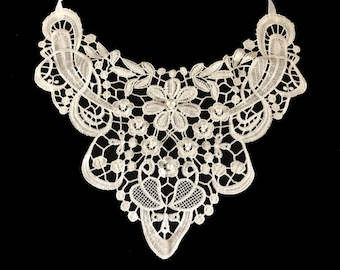 Hand Beaded Floral White Daisy Lace Statement Necklace Bib Collar with Pearl Bead Detail