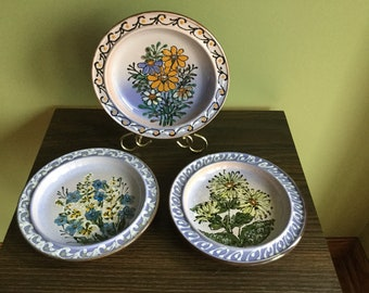 Vintage Set of 3 Glazed Ceramic Wall Plates/ Plaques Floral design & Ceramic wall plate   Etsy