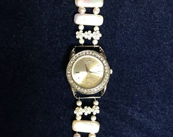 UNSIZED Pearl accent watch