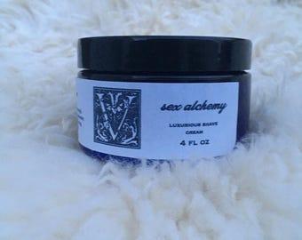 velvelt luxurious shaving cream   moisturize   repair   smooth   peppermint