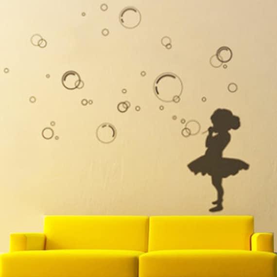 рождения рисунок мыльные пузыри на стене прочно