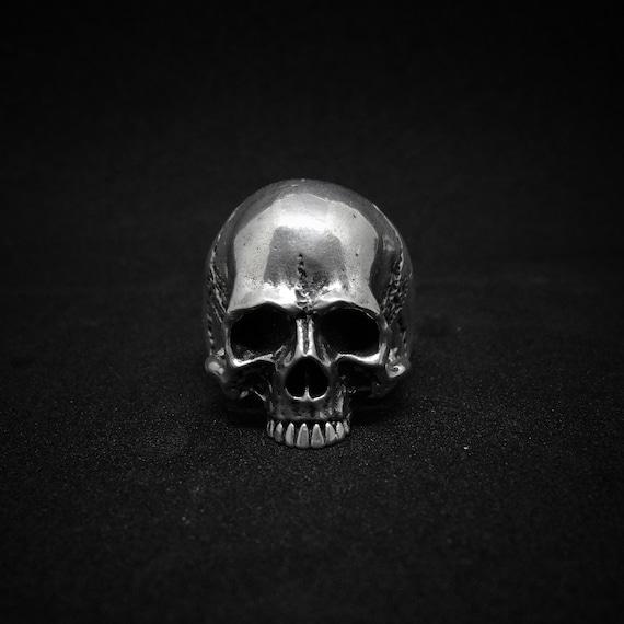 Bones ring grunge