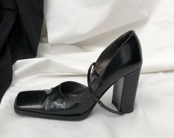 8b72de59b82f Vintage Sergio Rossi Black Leather Shoes with ankle strap size 35