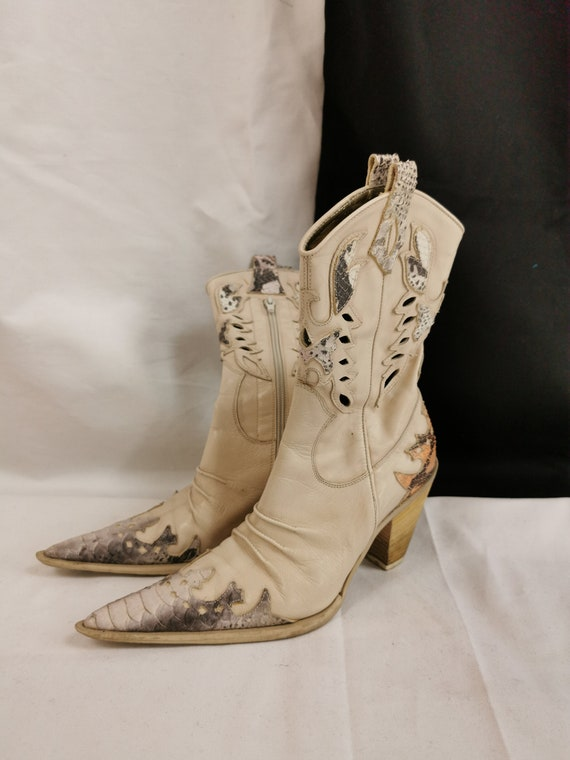 Vintage White Cowboy Boots for Women Size 6.5US |