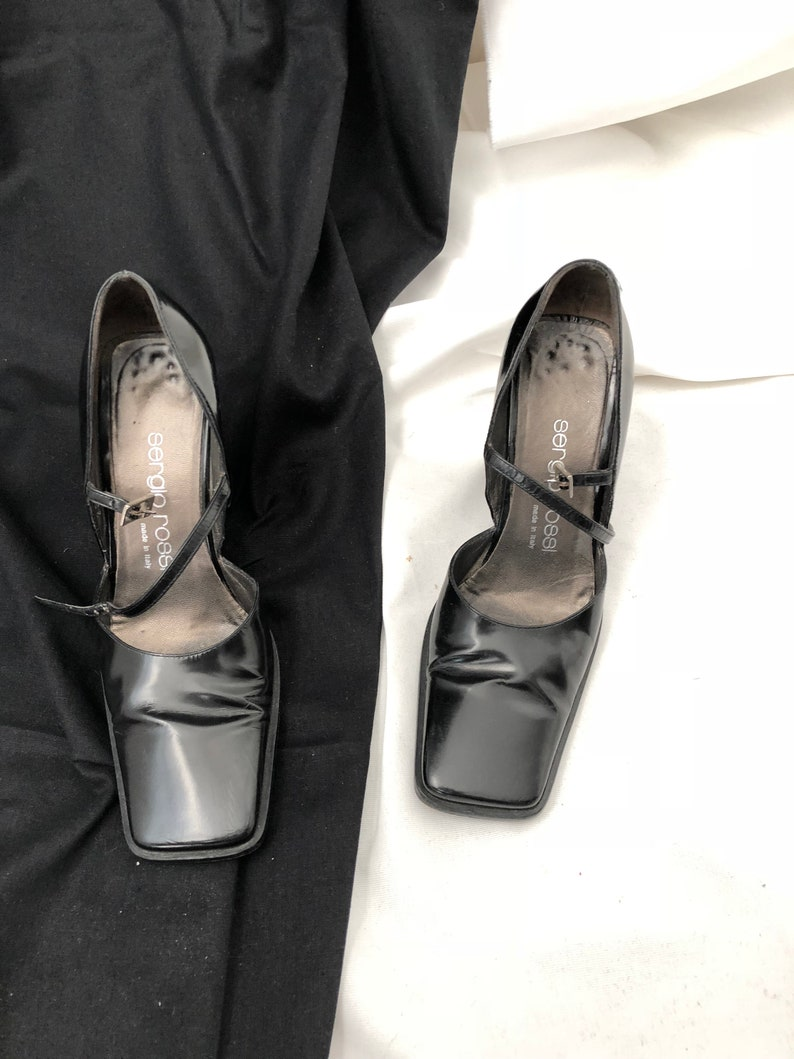 ec031a9c72ac6 Vintage Sergio Rossi Black Leather Shoes with Ankle Strap and Square Toe,  size 35