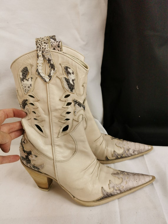 Vintage White Cowboy Boots for Women Size 6.5US |… - image 5