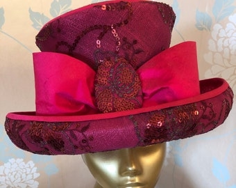 Stylish,Top-hat in Red, Silk and Embroidered, Lace, Highlighted with Sequins and Large Bow, Occasions.