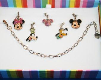 Disney Bracelet and 5 Charms Mickey, Minnie, Goofy, Pluto & Icon Mickey Charm It
