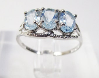 1.96 Ct Sky Blue Topaz 10Kt Solid White Gold Ring Baby Swiss Blue Topaz Oval Cut Gemstone Statement Cocktail Ring Estate Jewelry Size 7