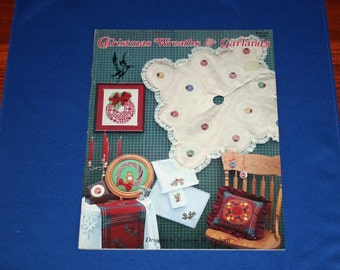 Vintage Christmas Cross Stitch Booklet Wreaths & Garland Project Decorations Holiday DIY Patterns Crafts Projects Craft Pattern
