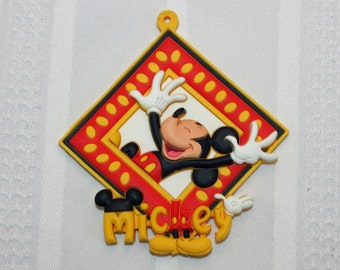 Disney Mickey Mouse Novelty Tag Key Ring PVC Rubber Die Cut Key Chain Luggage Backpack Bag Tag Magnet Face Disneyland WDW Walt Disney World