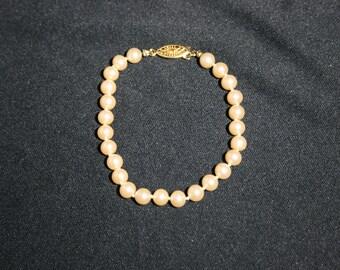 Vintage Pearl Bead Bracelet with Gold Clasp Wedding Jewelry Bride Bridesmaid Flower Girl Beaded Bracelet Pearls Date Night