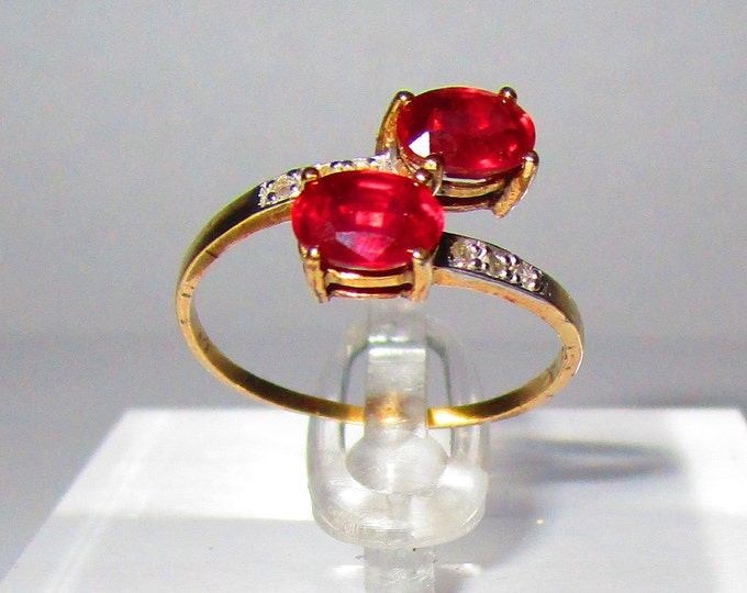 1.34 Ct African Ruby and Diamond 10Kt Solid Yellow Gold Ring By Pass Ring Rubies Gemstone Statement Cocktail Ring Estate Jewelry Size 7