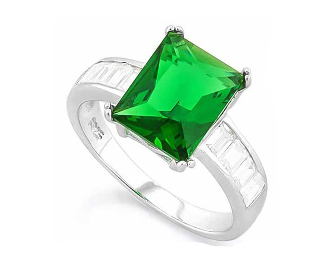 4 2/5 Ct Created Emerald & Cubic Zirconia CZ Sterling Silver Ring - 925 Cocktail Ring – Statement Ring - Estate Jewelry Size 7