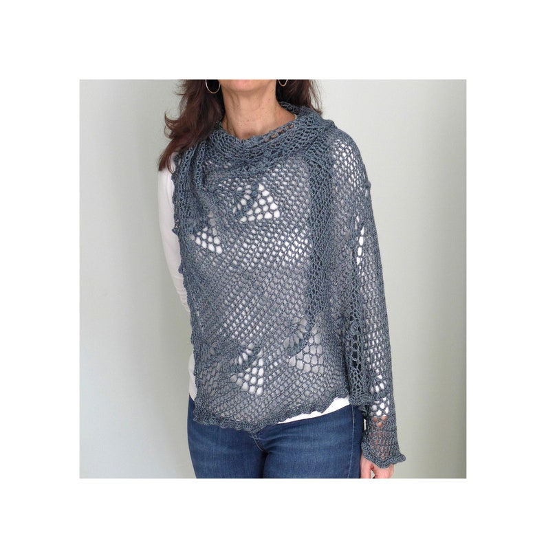 Patrón Chal ASIMÉTRICO de crochet con piñas de distintas image 0
