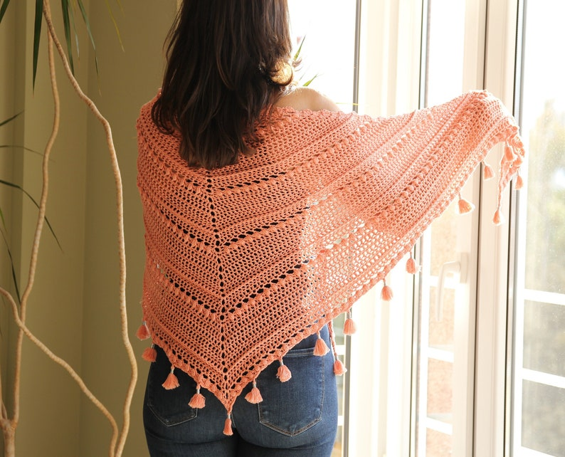 Patrón de chal TARDES con TERESA de crochet. Chal triangular image 1