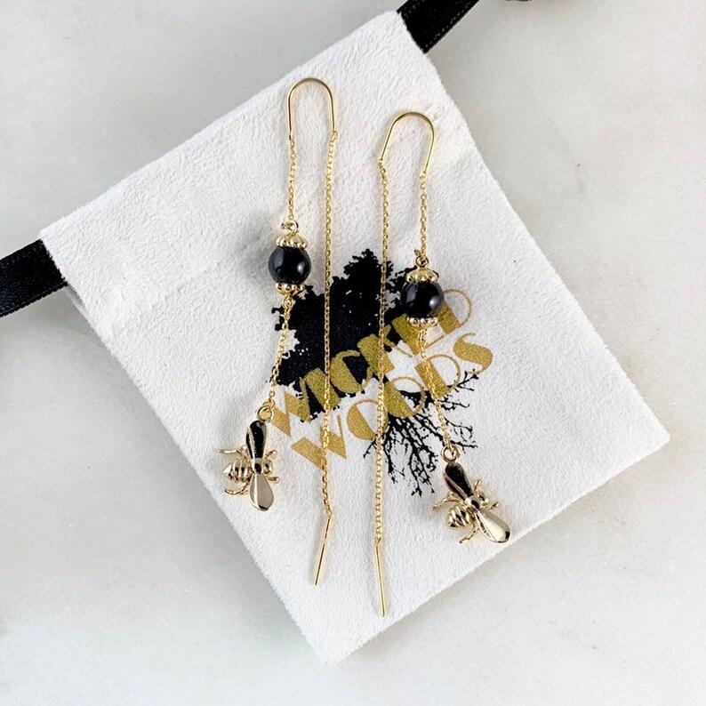 16K Gold Plating Bee Earrings Threaders Vintage Style Thread Earrings Chain Earring Bee Threader Earrings with Obsidian Gemstone
