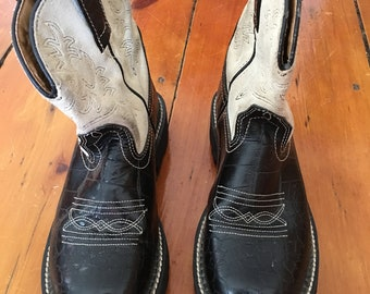 Used Ariat Fatbaby// Black and White //Leather// Western Cowgirl// Women's 7B