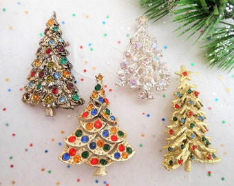 Vintage LOT 4 Christmas Tree Pin Brooch Rhinestone Crystal Collectible Gift  Mid Century d08721c969b9