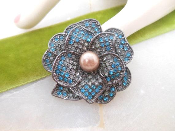 Vintage Rhinestone Flower Pin Brooch Pansy Blue E… - image 4