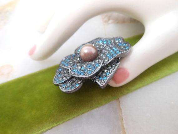 Vintage Rhinestone Flower Pin Brooch Pansy Blue E… - image 3