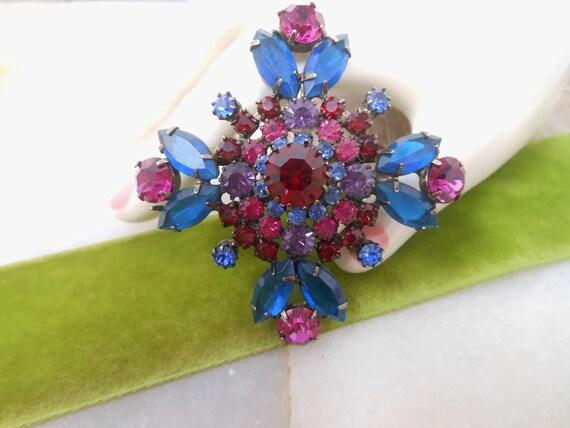 Vintage Brilliant Pink Glass Prong Rhinestone Atomic Flower Brooch Large Statement Mid Century
