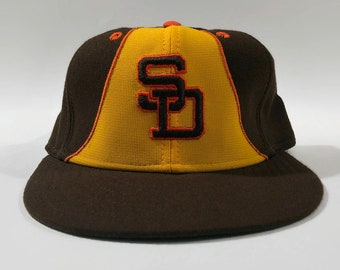 cb2e9cfccb2dc San Diego Padres Authentic MLB New Era Fitted Leather Sweatband Baseball Hat  Size 7 3 8 Circa 1980s