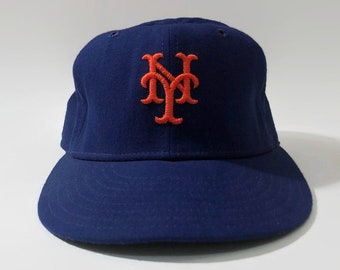 timeless design 2cf01 388f5 New York Mets Authentic MLB New Era Fitted Leather Sweatband Baseball Hat  Size 7 1 8 Circa 1980s