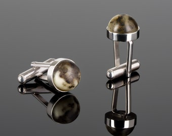 Modern cufflinks with amber, engraved cufflinks, wedding gift for him, groomsmen gift, dark gemstone unisex jewelry, cufflinks for groom